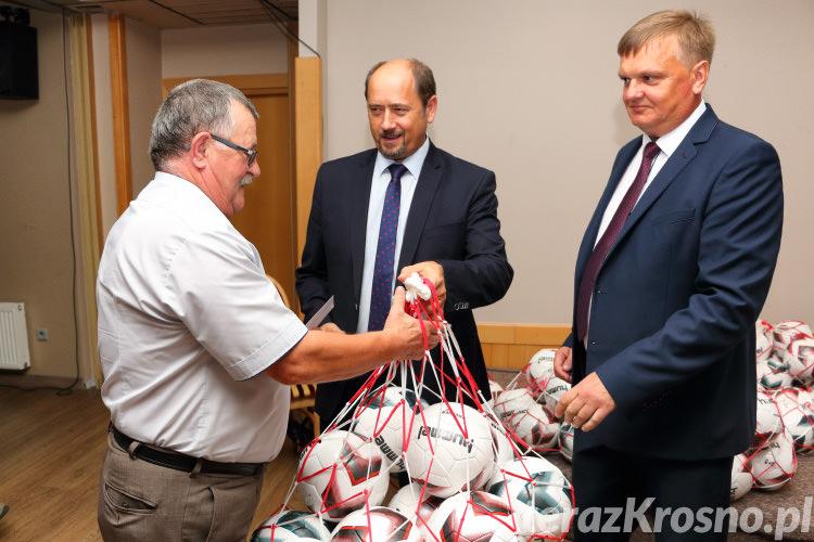 Piłki dla klubów OZPN Krosno