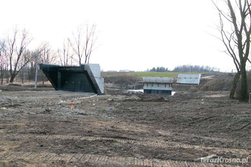 Budowa mostu w Wojkówce