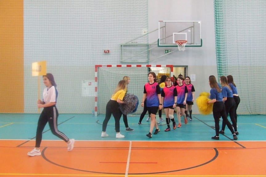 II Halowy Turniej Piłki Nożnej Halowej Dziewcząt w Szpetnarze
