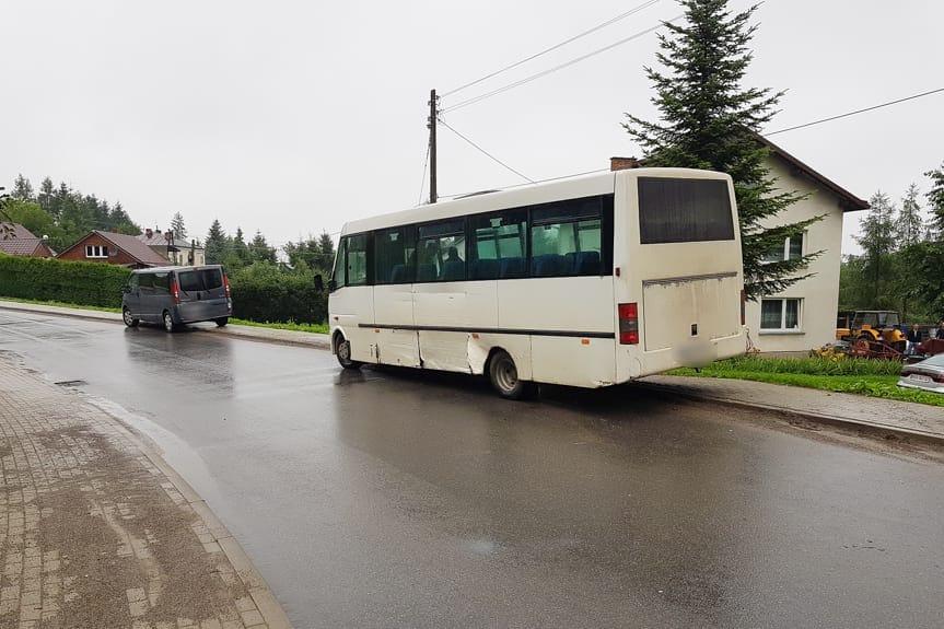 Kolizja busów w Rogach