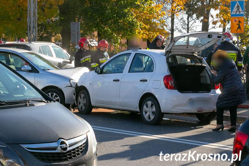 Kolizja trzech samochodów w Łężanach