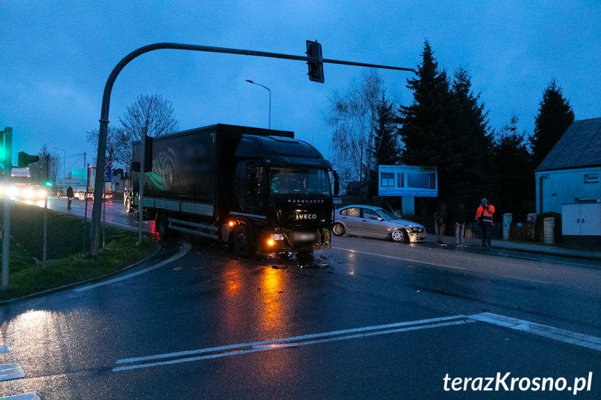 Kolizja w Krośnie na skrzyżowaniu