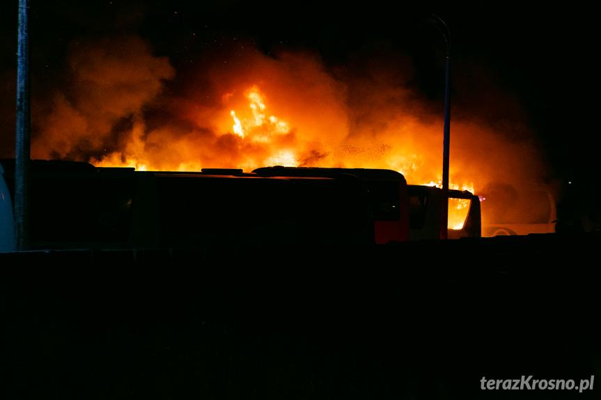 Pożar autokarów w zajezdni
