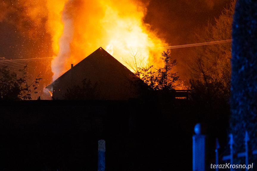 Pożar budynku gospodarczego w Długiem