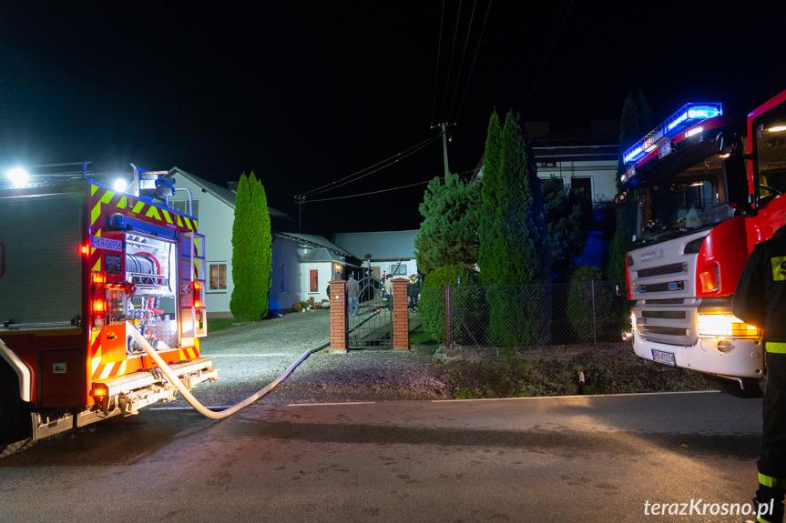 Pożar garażu w Łękach Strzyżowskich