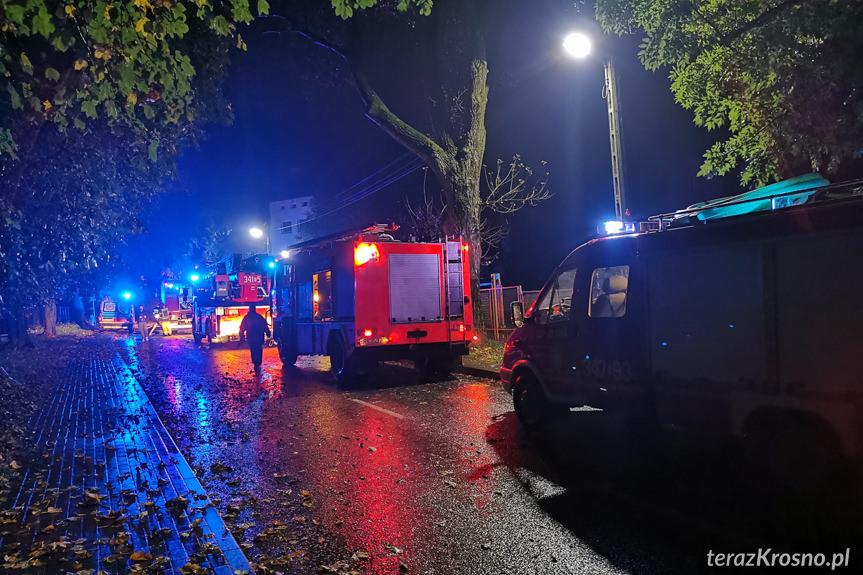 Pożar mieszkania przy ulicy Popiełuszki w Krośnie