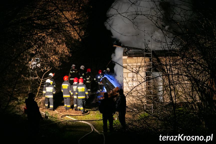 Pożar pustostanu w Podniebylu