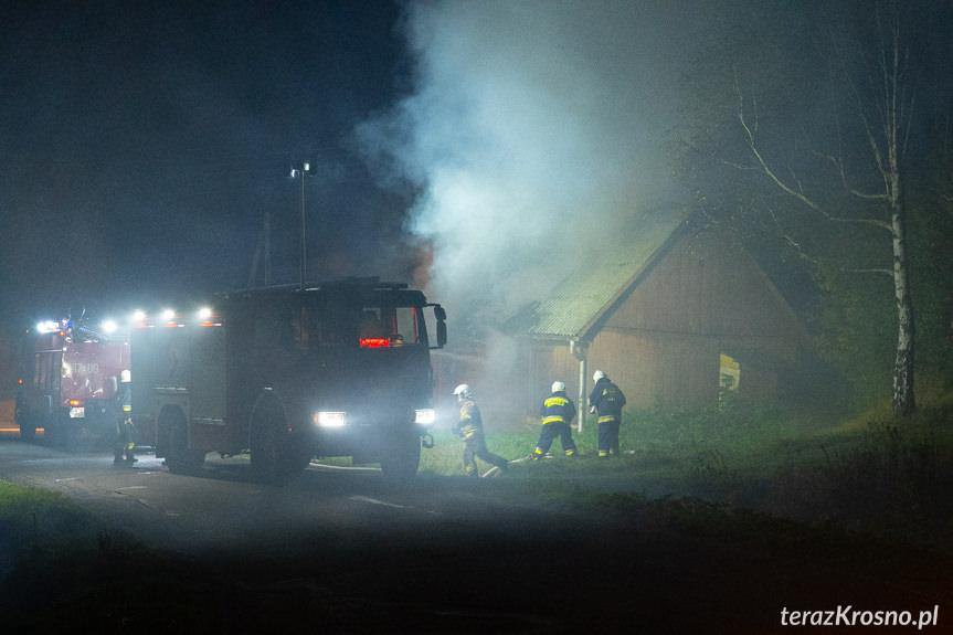 Pożar pustostanu w Poraju