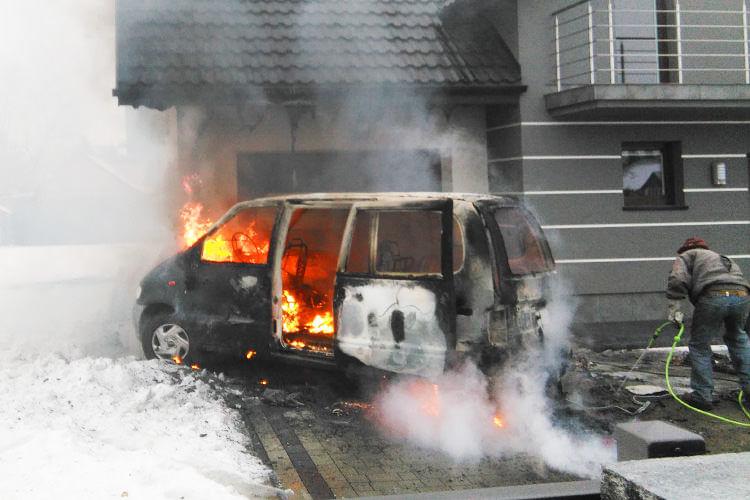 Pożar samochodu w Iwoniczu