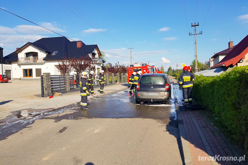 Pożar samochodu w Korczynie