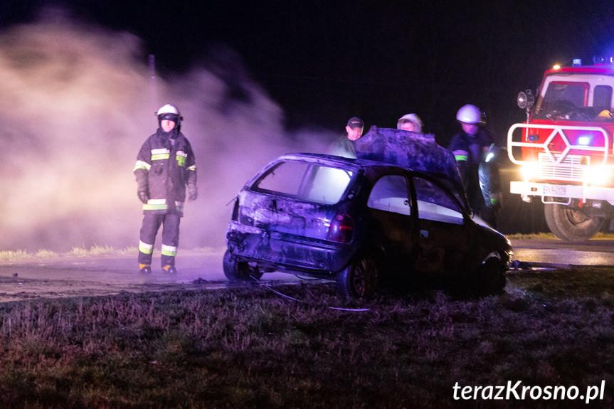 Pożar samochodu w Piotrówce