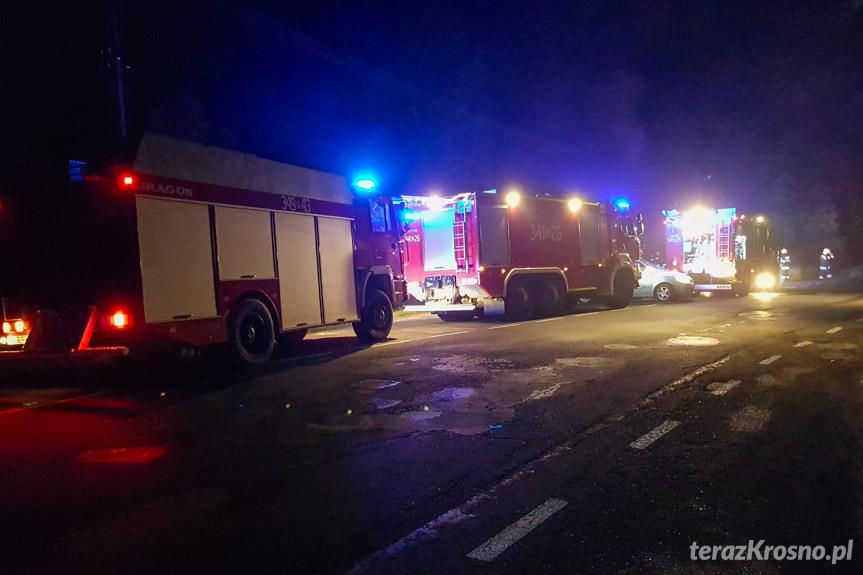 Pożar samochodu w Węglówce