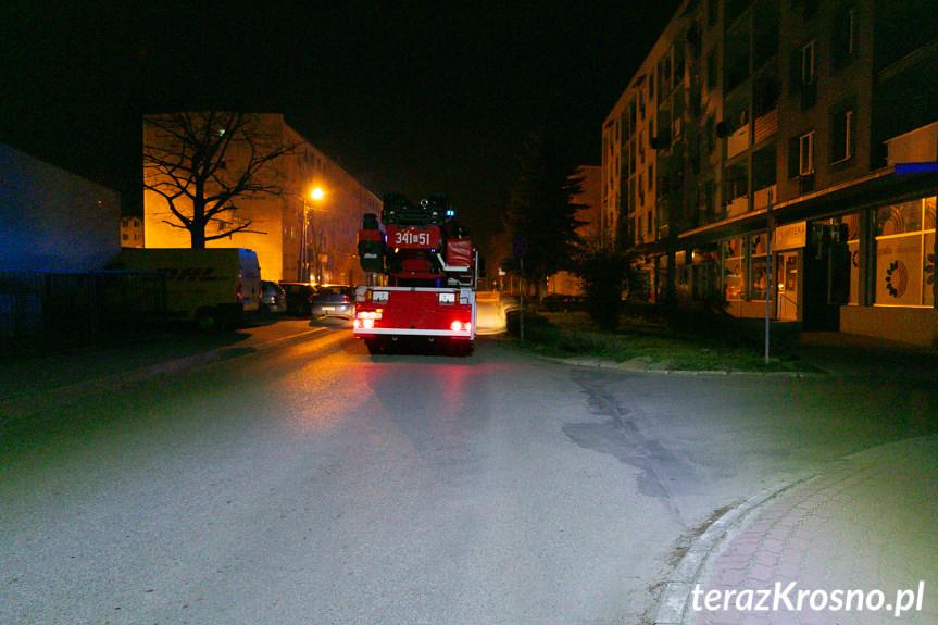 Pożar w bloku na Magurów