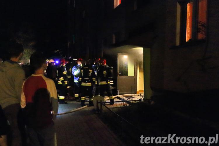 Pożar w bloku przy ul. Krakowskiej w Krośnie