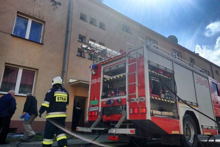 Pożar w bloku w Dukli