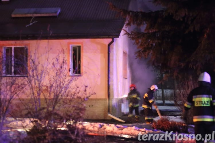 Pożar w domu w Łękach Strzyżowskich