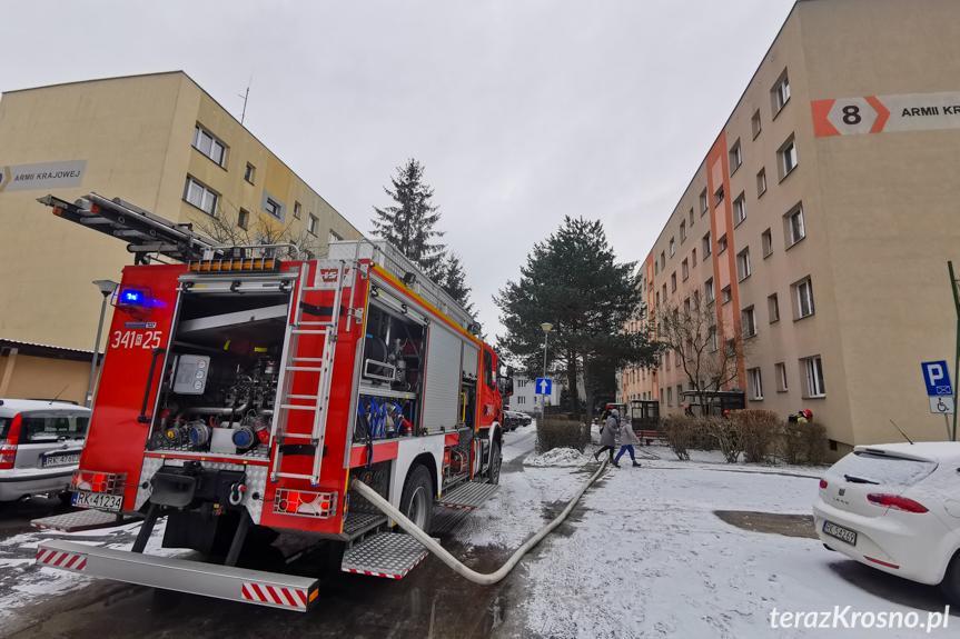 Pożar w piwnicy bloku
