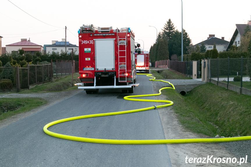 Pożar wiaty w Dobieszynie