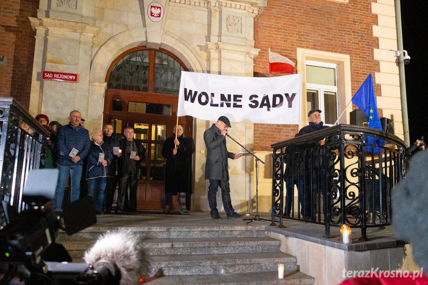 Protest przed sądem w Krośnie