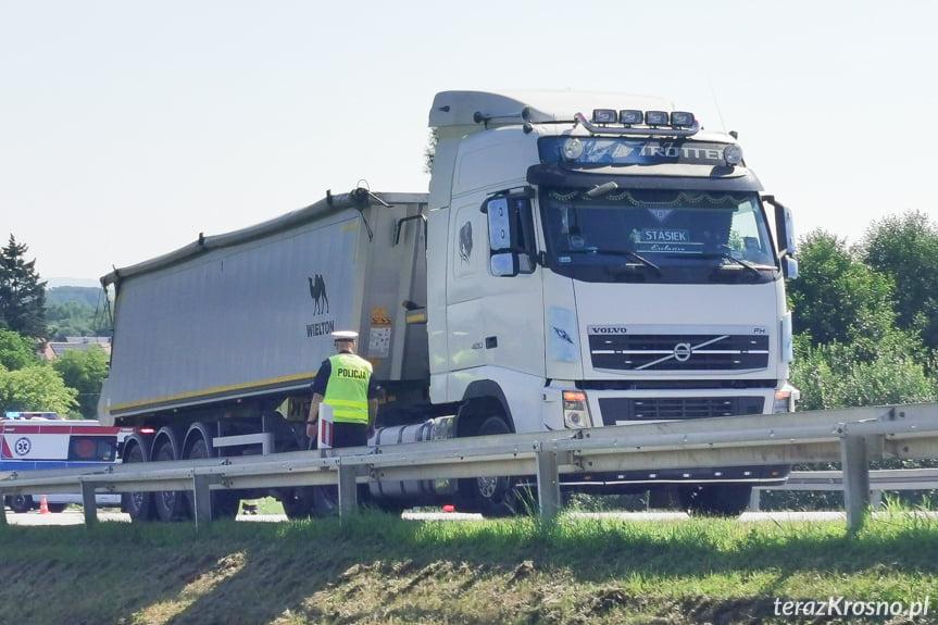 Rogi. Zderzenie osobówki z samochodem ciężarowym