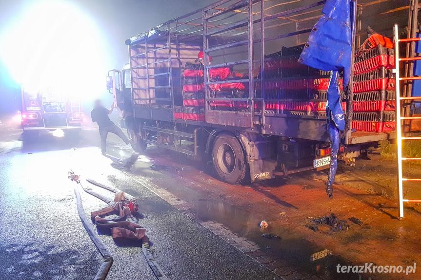 Spłonęła ciężarówka z drobiem