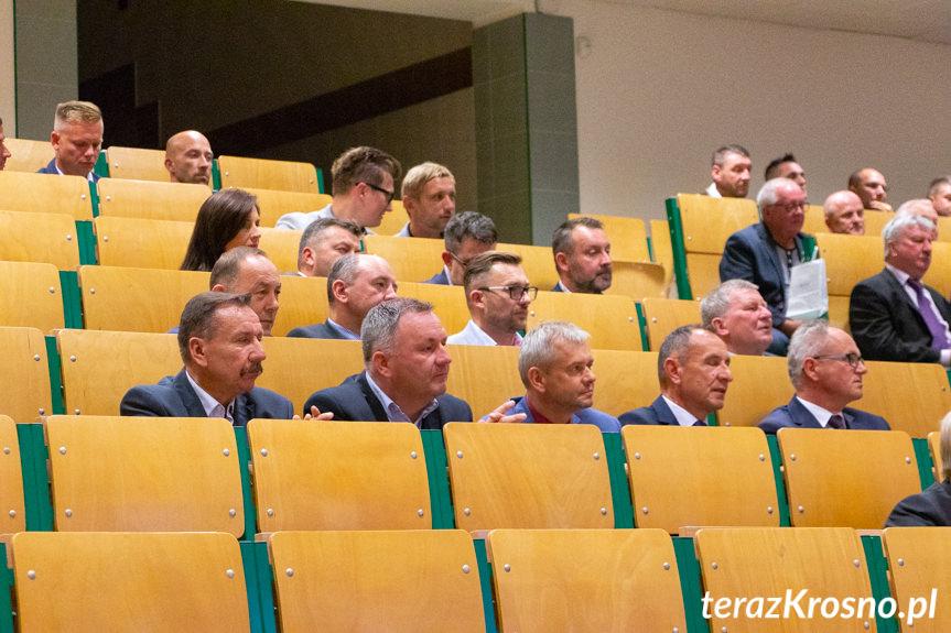 Spotkanie pokoleniowe byłych działaczy i piłkarzy Karpat Krosno