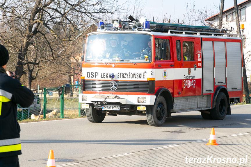 Strażackie ćwiczenia w Łękach Strzyżowskich