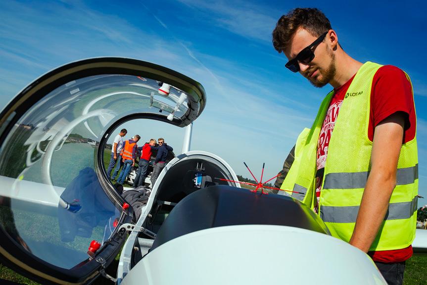 Szkolenie lotnicze uczniów Mechanika