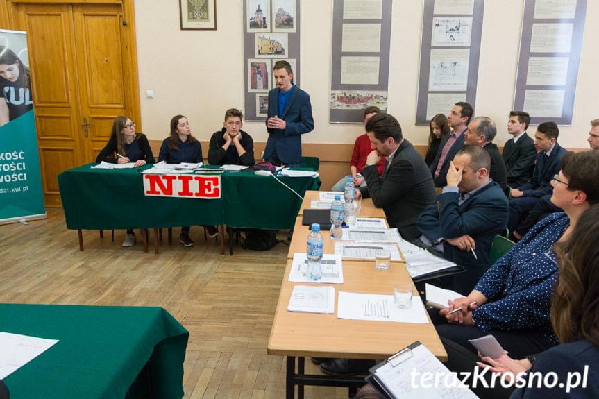 """Turniej Debat Oksfordzkich w """"Koperniku"""""""