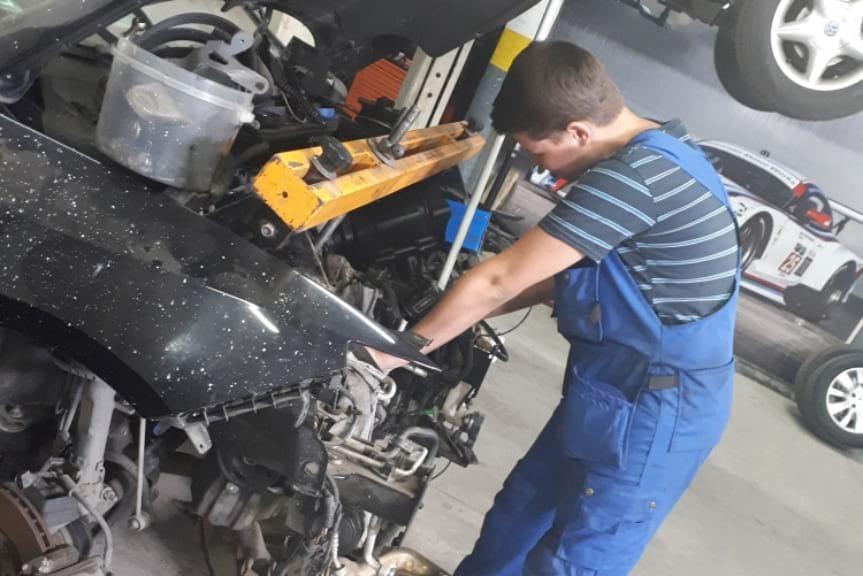 Uczniowie Mechanika na stażu w Portugalii