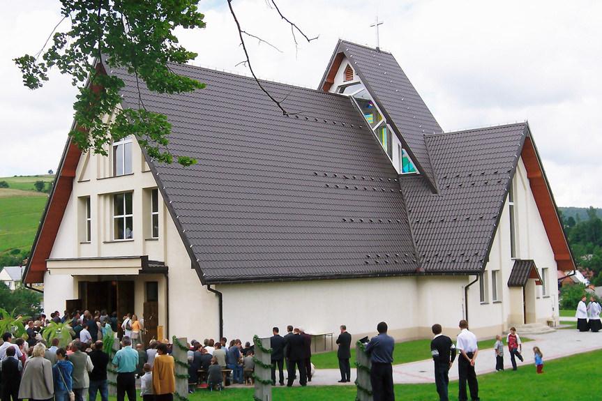 Uroczystość konsekracji nowego kościoła w Króliku Polskim