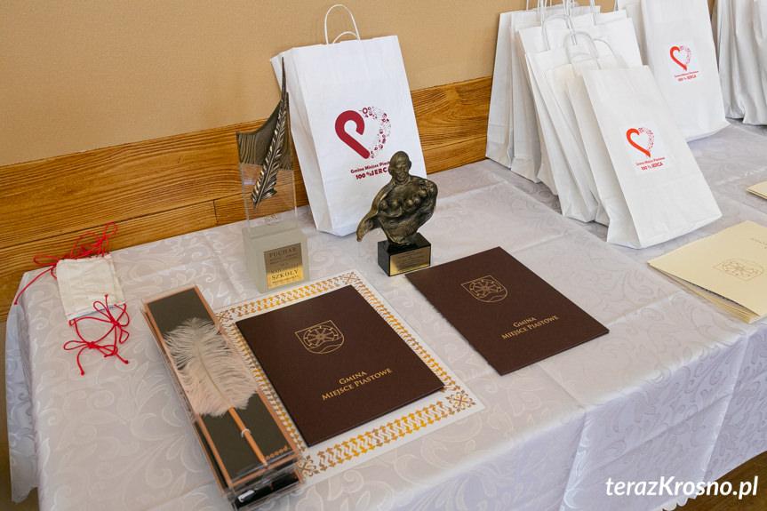 Wręczenie wyróżnień w gminie Miejsce Piastowe