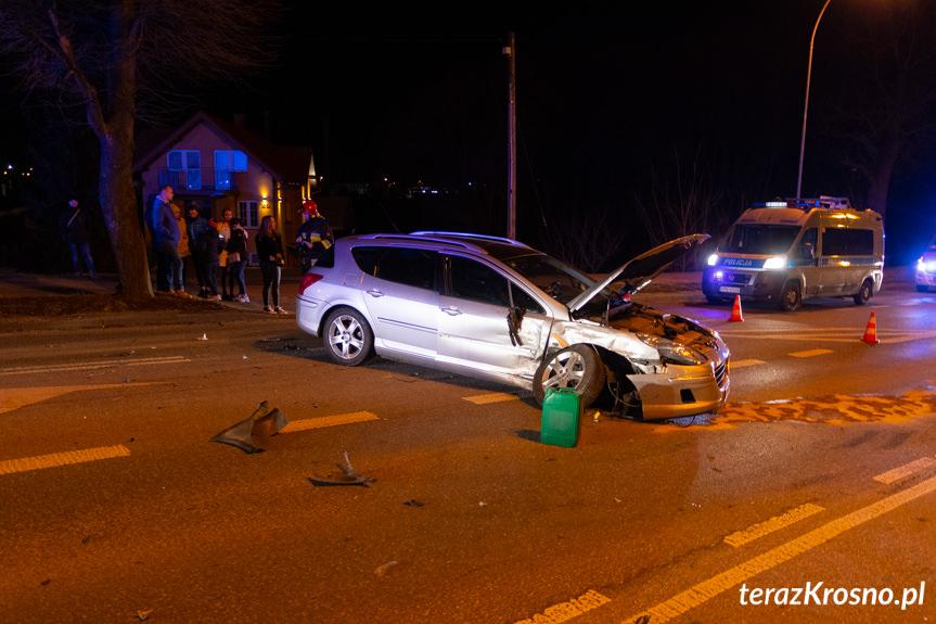 Wypadek w Krośnie, zderzenie dwóch samochodów