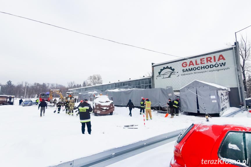 Zawalenie namiotów w Korczynie