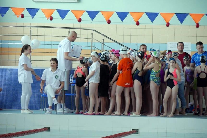Zawody pływackie w Krośnie