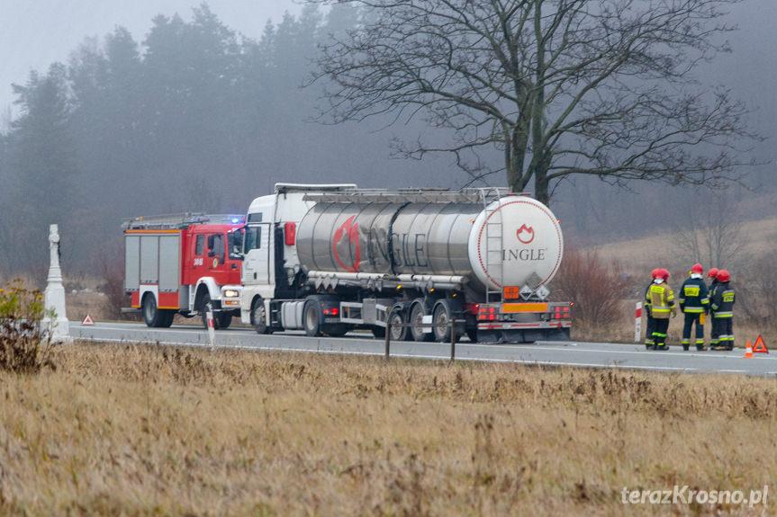 Zderzenie dwóch ciężarówek w Barwinku