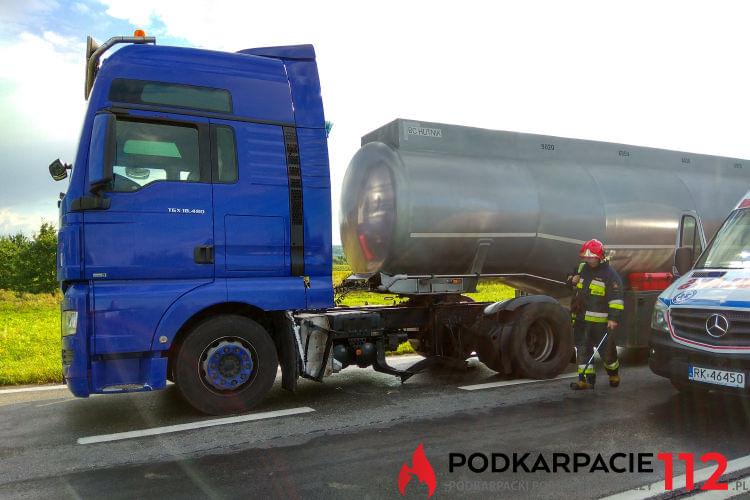 Zderzenie dwóch samochodów ciężarowych w Moderówce