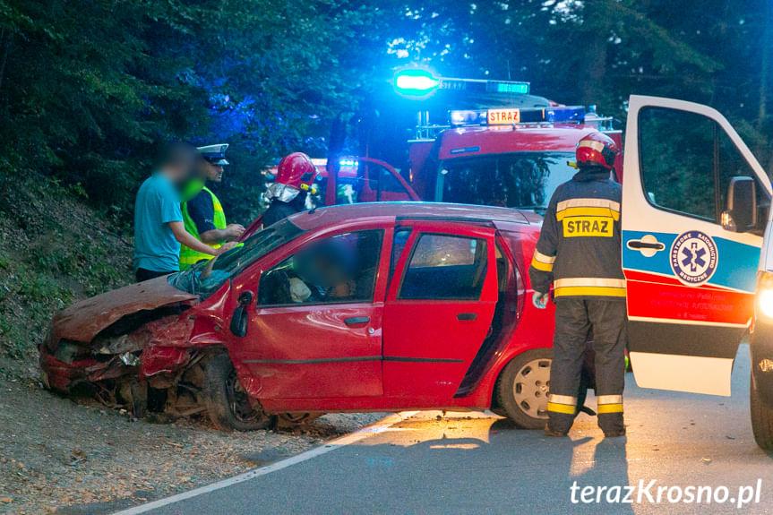 Zderzenie dwóch samochodów w Czarnorzekach