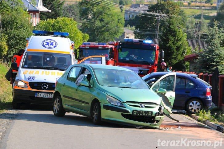Zderzenie dwóch samochodów w Kopytowej