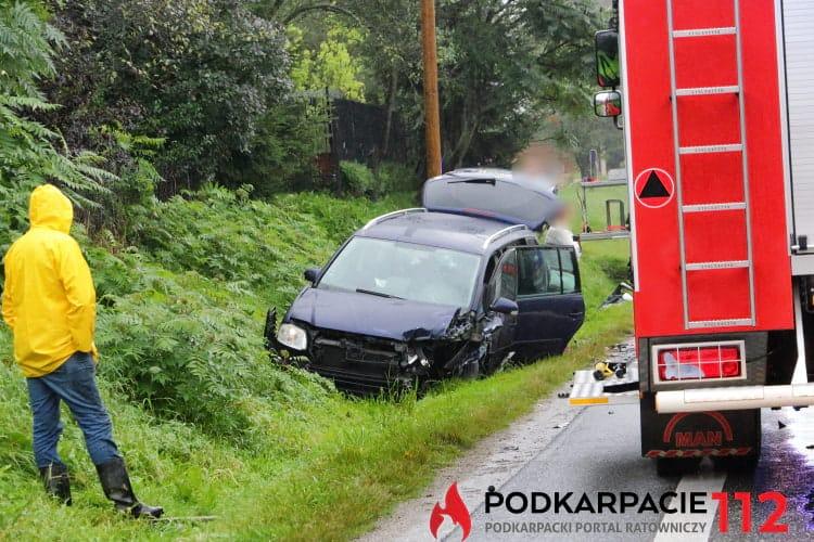 Zderzenie dwóch samochodów w Cergowej