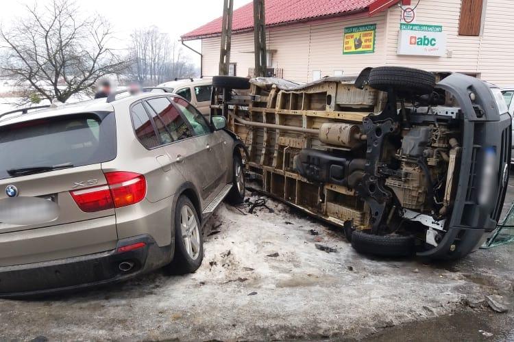 Zderzenie forda i BMW w Bziance