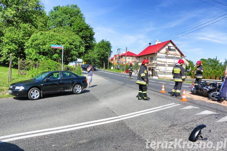 Zderzenie motocykla i samochodu w Łężanach