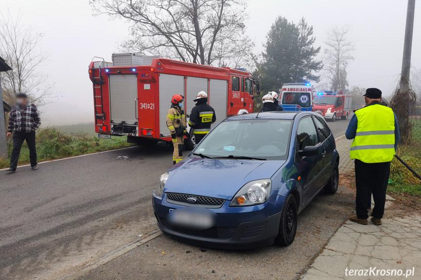 Zderzenie samochodu ze śmieciarką w Jedliczu