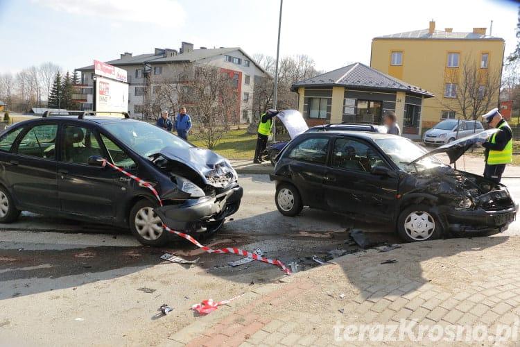 Zderzenie trzech samochodów na ul. Korczyńskiej