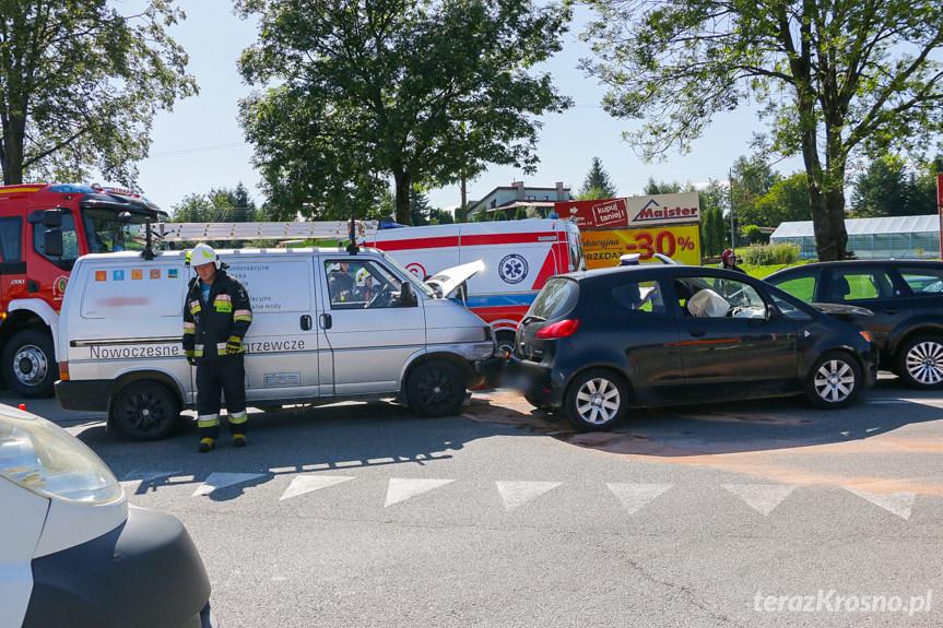 Zderzenie trzech samochodów w Miejscu Piastowym