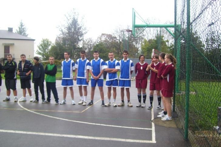 Turniej piłki ręcznej / biegi przełajowe