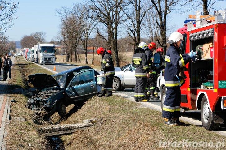 Wypadek w Teodorówce, zderzenie dwóch samochodów