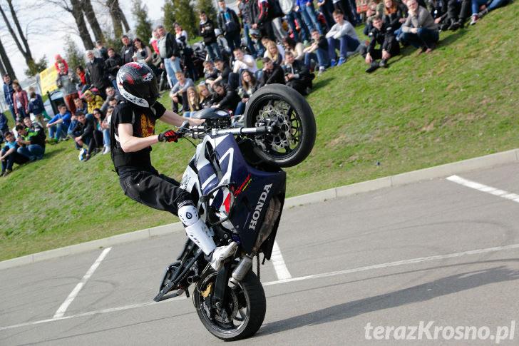 Pokaz stuntu motocyklowego