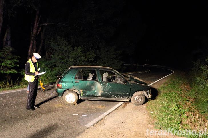 Renault wypadło z drogi w Korczynie