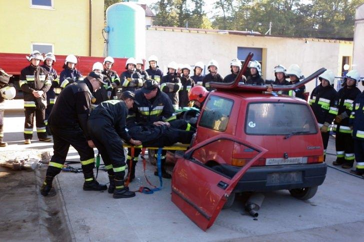 Szkolenia strażaków z zakresu ratownictwa technicznego